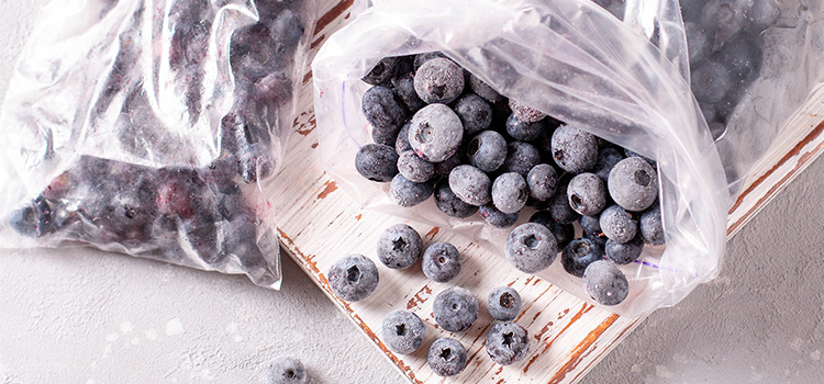 10 Tips If You Are Wondering How To Freeze Blueberries | ultimatefoodpreservation.com