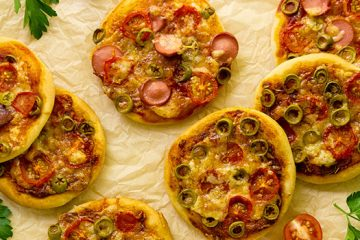 This Freezer Pizza Is The Easy Dinner You Need To Try | ultimatefoodpreservation.com