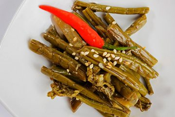 Ready For Something New? Try These Fermented Dilly Beans   ultimatefoodpreservation.com