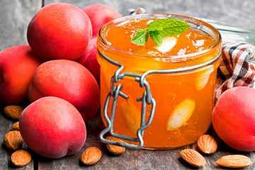 This Peach and Almond Jam Is The Healthiest Snack | ultimatefoodpreservation.com
