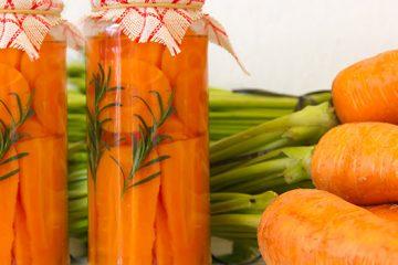 Enjoy Oil-Preserved Carrots As A Delicious Versatile Snack! | ultimatefoodpreservation.com