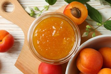 This is the Best Way to Use Your Leftovers: Apricot Jelly [Recipe] | https://ultimatefoodpreservation.com